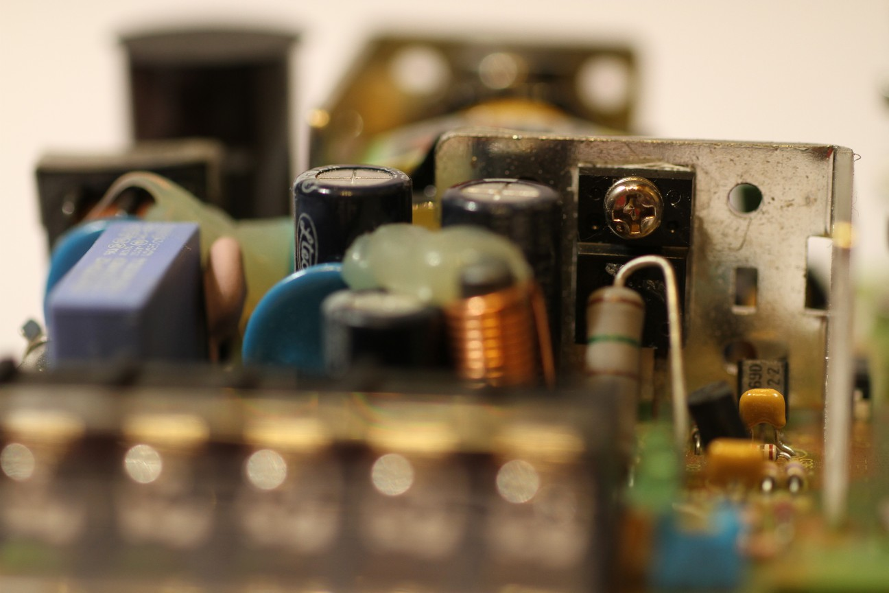 電源變壓器技術性令電源一瞬間變輕