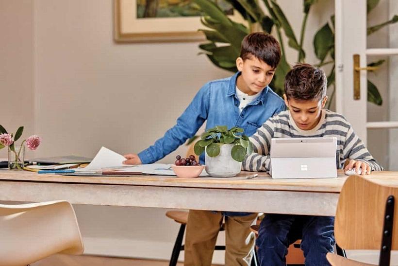 一款能夠讓小孩更強學習培訓的神奇的書桌椅板凳
