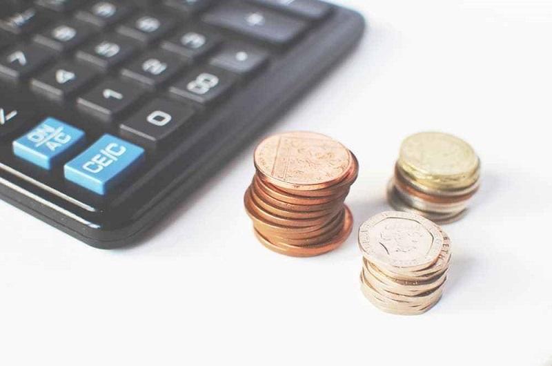 逾半港人入不敷支 七成人擁有債務